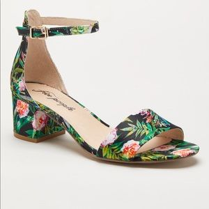 New Free People floral sandals 8 1/2